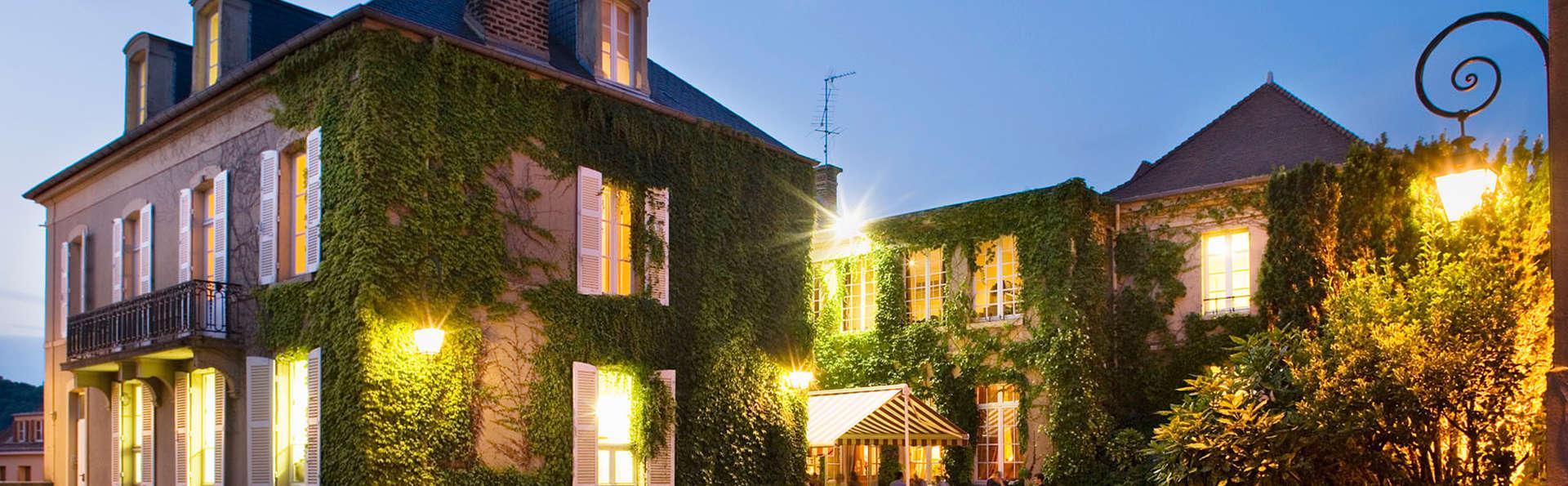 Hôtel La Petite Verrerie - EDIT_front1.jpg