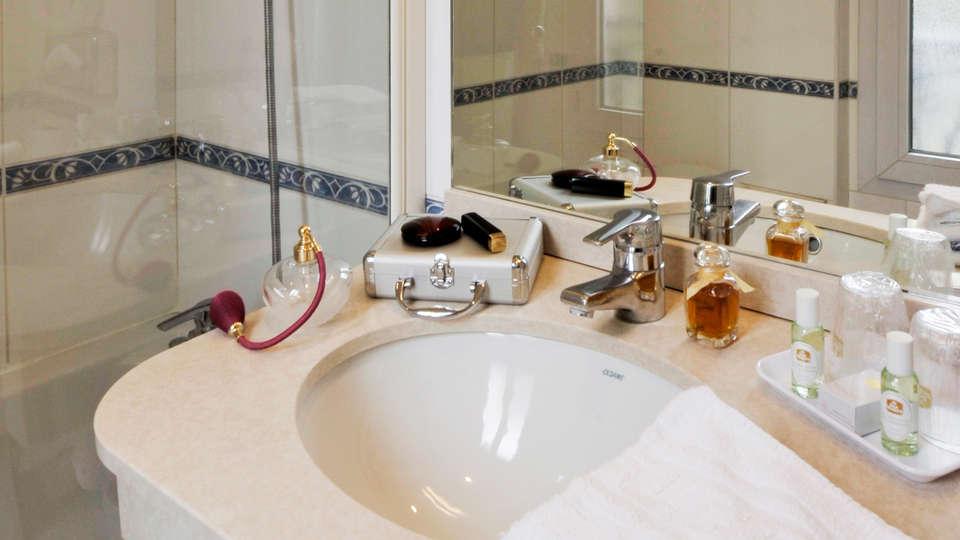 Best Western Hôtel Montcalm - EDIT_bath1.jpg