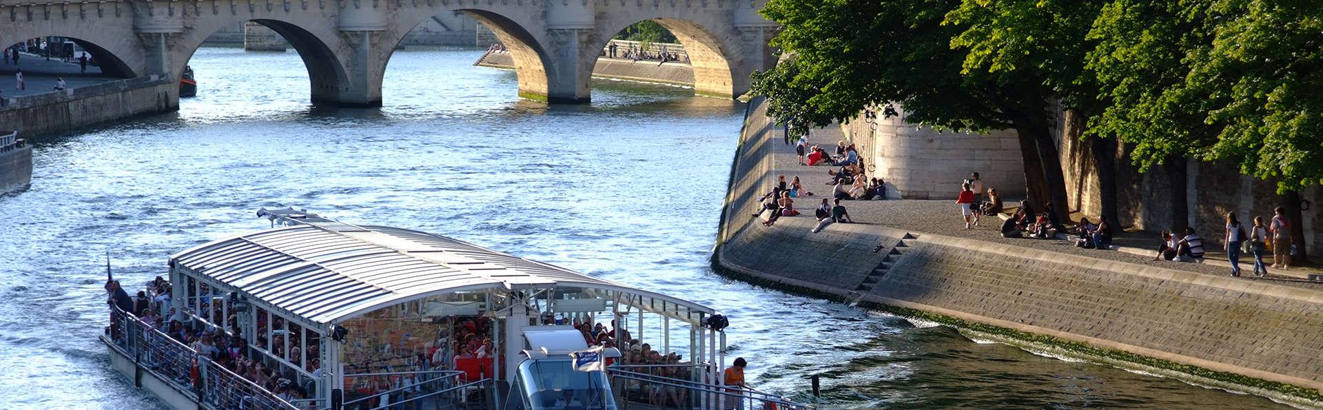 """Week-end découverte au coeur de Paris avec croisière en """"Bateaux-Mouches"""""""
