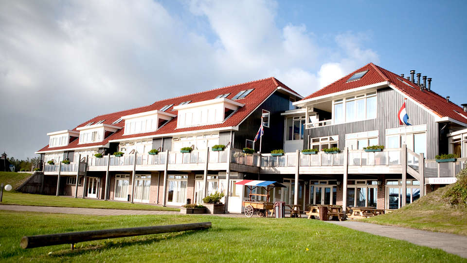 Galamadammen Hotel Jachthavens - Edit_Front.jpg