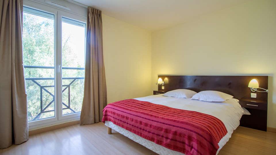 Adonis Excellior Grand Genève - EDIT_room2.jpg