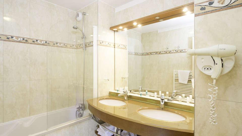 Adonis Excellior Grand Genève - EDIT_bath.jpg