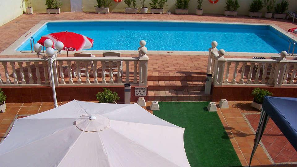 Hotel Santa Cecilia - EDIT_Pool.jpg