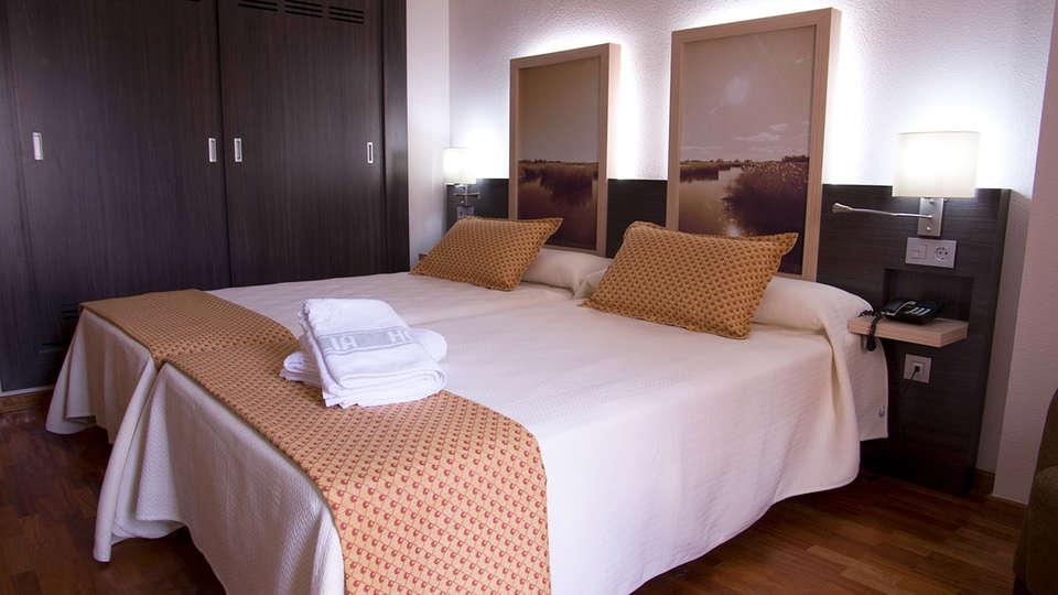 Hotel Santa Cecilia - EDIT_Room2.jpg