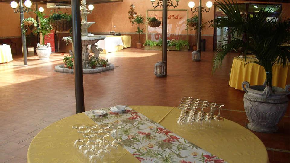 Hotel Santa Cecilia - EDIT_Terrace.jpg