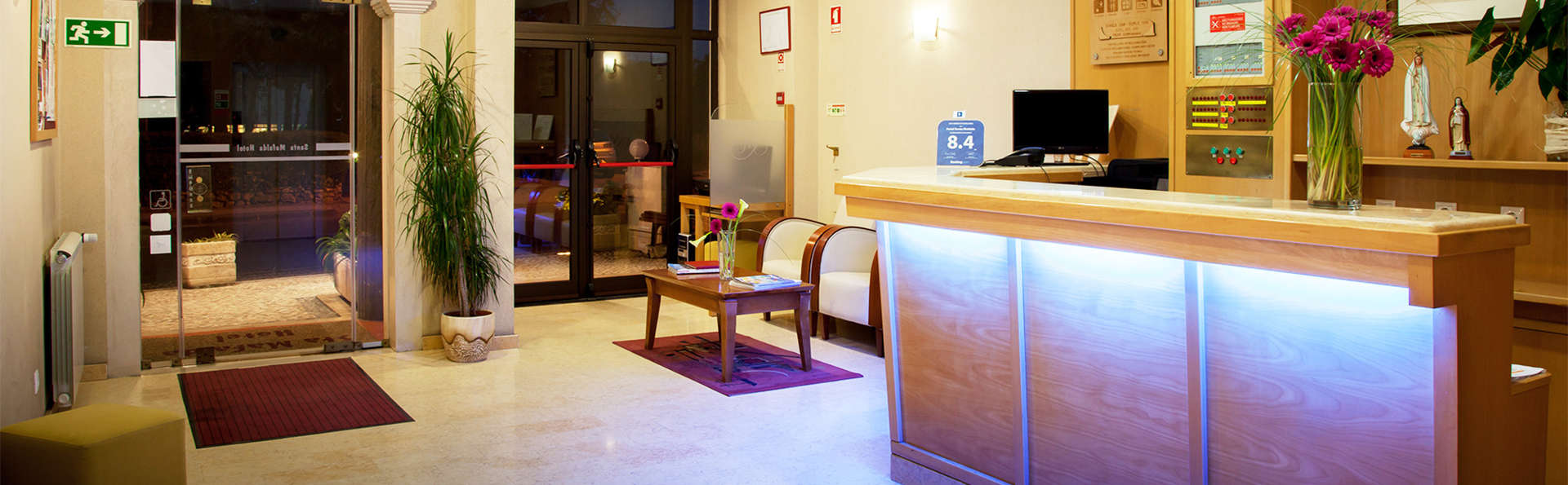Hotel Santa Mafalda - EDIT_Reception.jpg