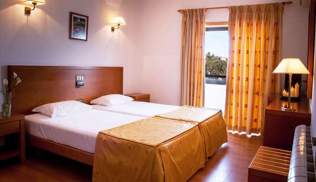 Escapada con detalle de bienvenida y salida tardía en Fátima en un hotel 3* a un paso del Santuario