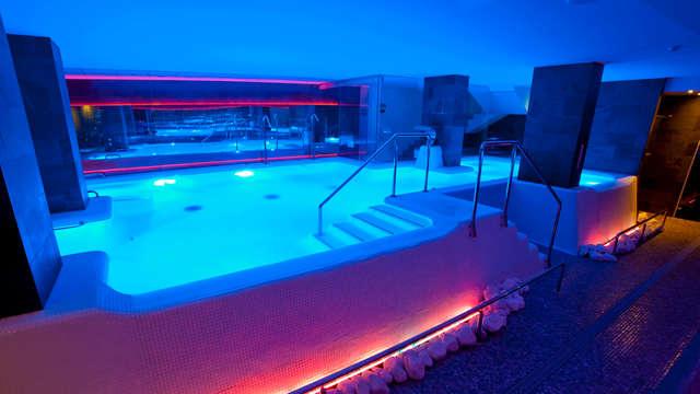 Séjour romantique à Torrevieja : dîner, spa et chambre avec vue panoramique