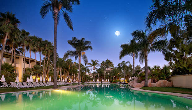Disfruta de la Costa del Sol con tu familia y alojate en un 4 estrellas a dos minutos de la playa