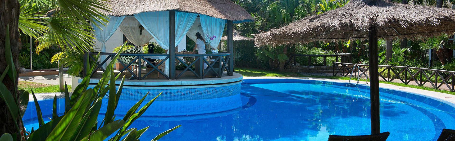 Profitez de l'été en demi-pension sur la Costa del Sol avec une bouteille de cava incluse.