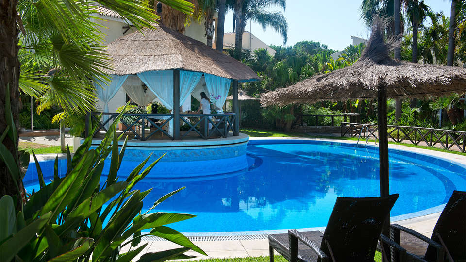 Hotel Bluebay Banus - EDIT_pool7.jpg