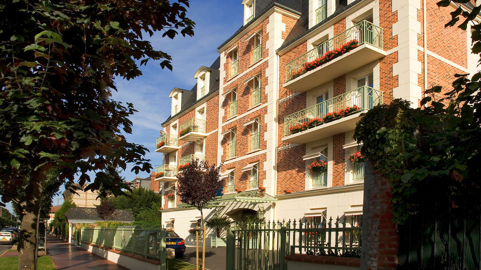 La Closerie Deauville - EDIT_NEW_front5.jpg