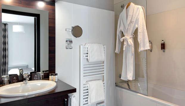 Golf Resort Spa Domaine Cice Blossac - bathroom