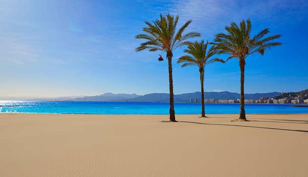 Escápate en apartamento de 2 dormitorios a pie de playa en Oliva, Valencia
