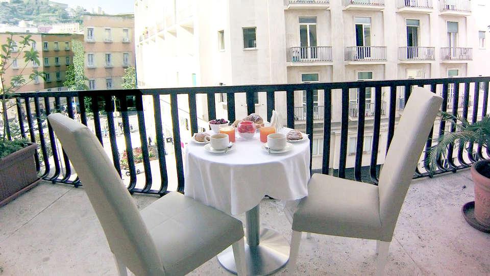 Boutique Hotel Piazza Carità - Edit_Terrace.jpg
