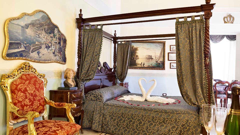 Luxury Art Resort Galleria Umberto - Edit_room5.jpg