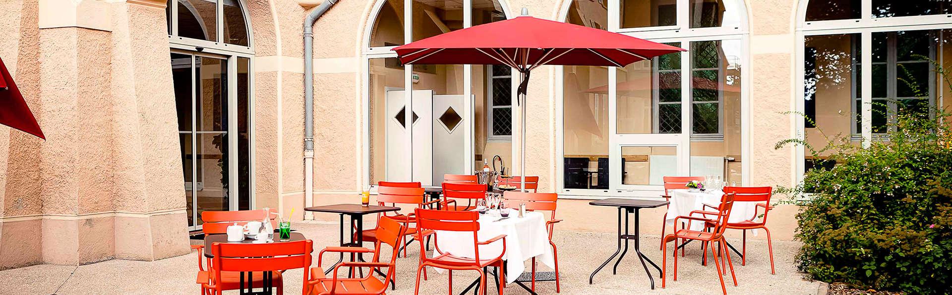 Domaine Lyon Saint Joseph - EDIT_terrace.jpg