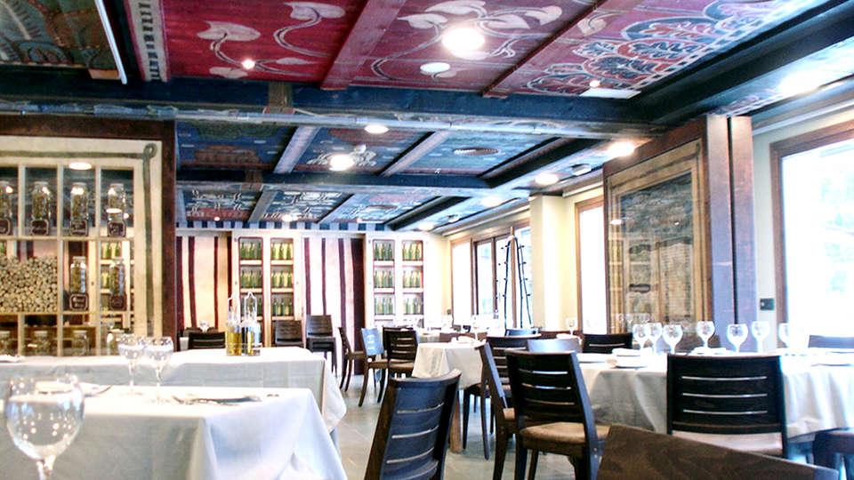 Hotel Santa Cristina Petit Spa - Edit_Restaurant.jpg