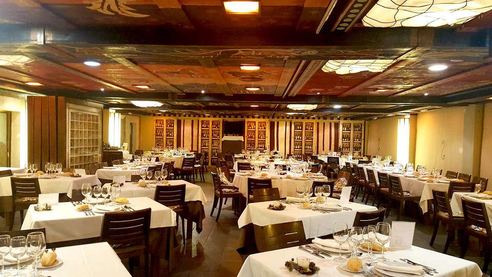 Hotel Santa Cristina Petit Spa - Edit_Restaurant2.jpg