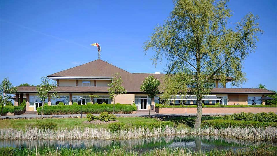 Van der Valk Hotel Cuijk-Nijmegen  - EDIT_Exterior1.jpg