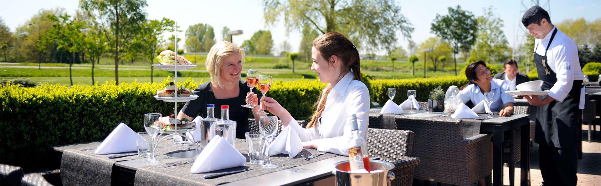 Van der Valk Hotel Cuijk-Nijmegen  - EDIT_Terrace.jpg