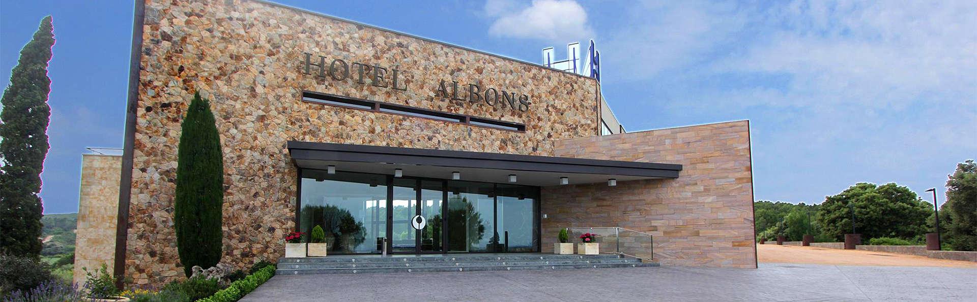 Hotel Albons - EDIT_Exterior.jpg