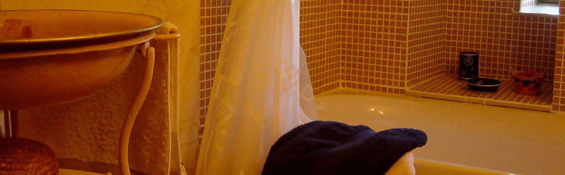 Manoir des Forges - Saint Brice - edit_bathroom1.jpg