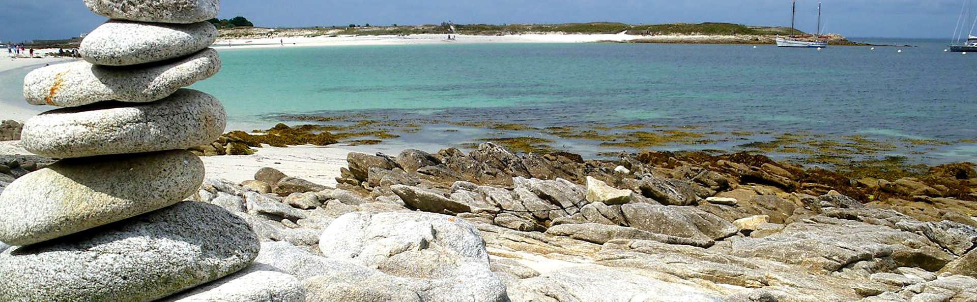 Paysage féerique, plage de sable blanc, ... partez à la découverte de l'Archipel des Glénan !