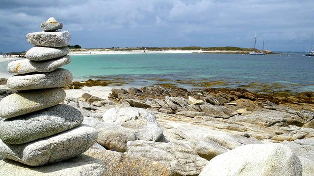 Des eaux turquoises, un sable blanc éclatant : l'archipel des Glénan vous tend les bras !