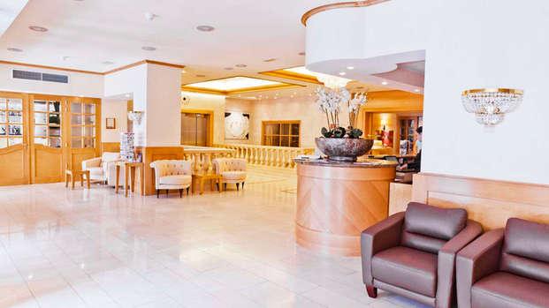 Hotel Le Chatelain - reception