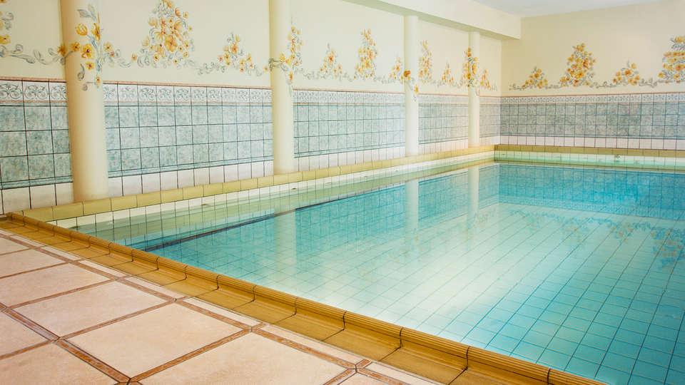 Bilderberg Château Holtmühle - EDIT_Pool.jpg