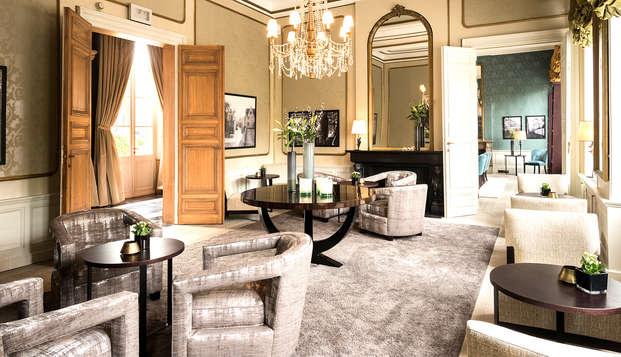 Passez la nuit dans une suite de luxe classique avec des touches historiques