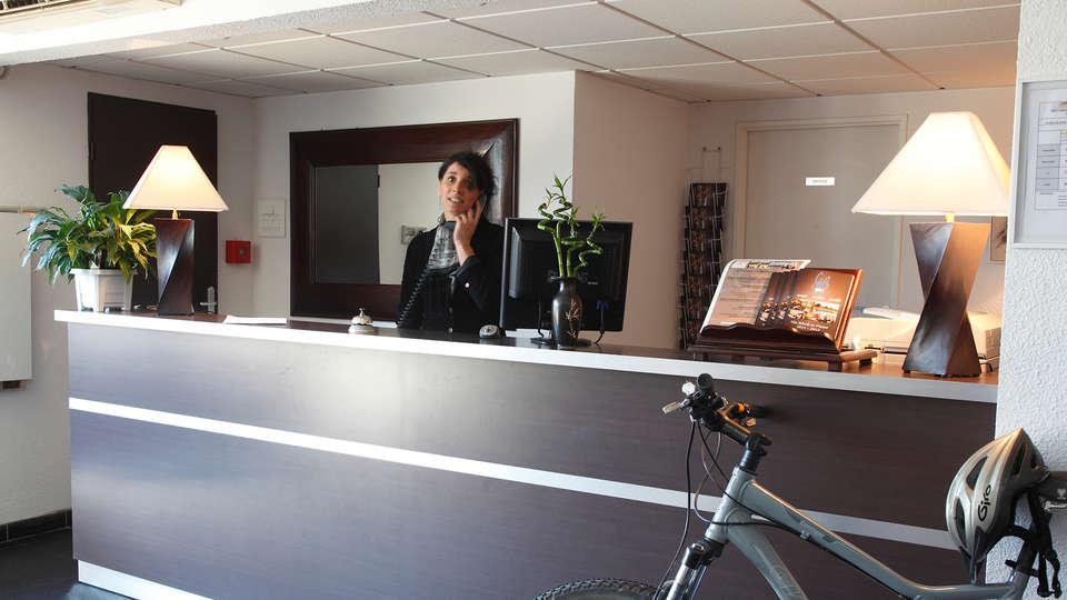 Adonis Carcassonne - La Barbacane - EDIT_Reception.jpg