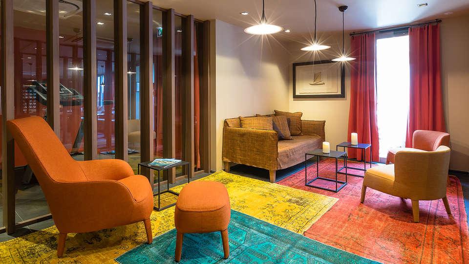 HOTEL **** & APPART HOTEL L'ADRESSE  - EDIT_Lobby.jpg