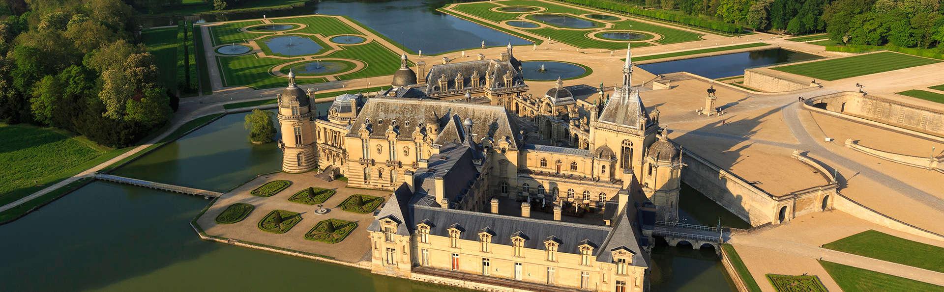 Lujo y encanto reales con visita al Palacio de Chantilly