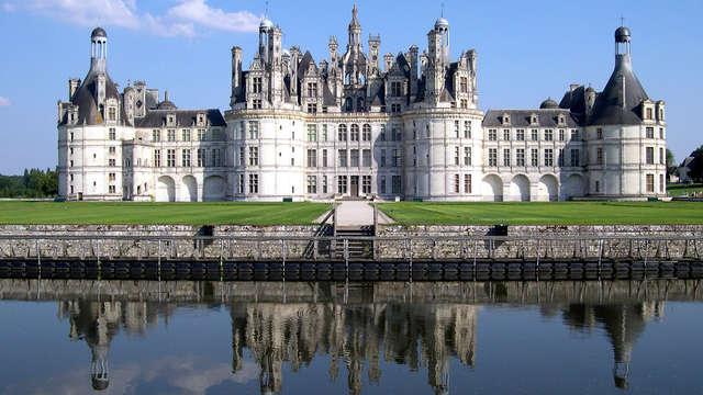 Cerca de Blois con entrada al castillo de Chambord