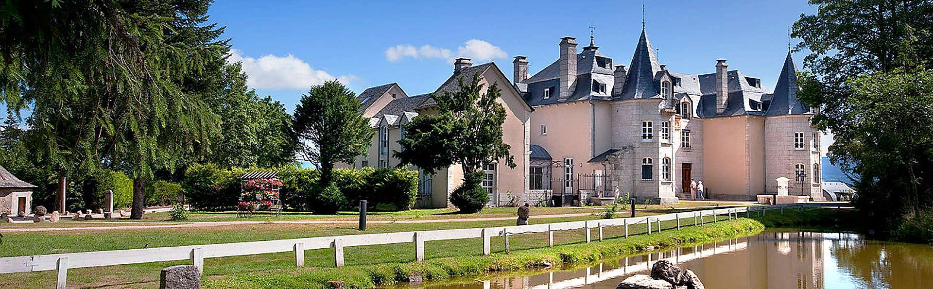 Château d'Orfeuillette  - EDIT_Exterior1.jpg
