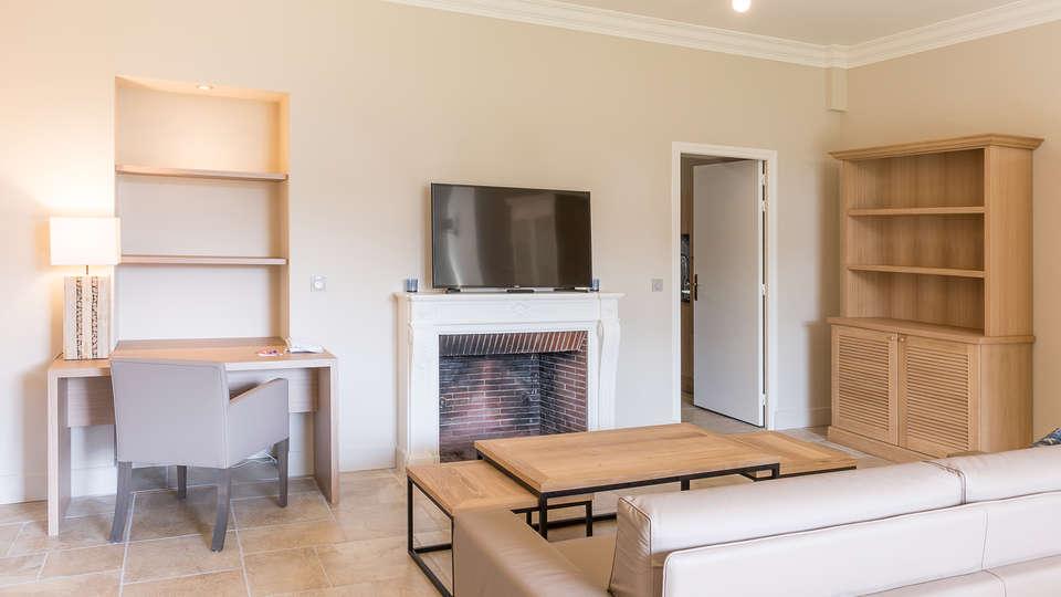 Villa Odette - EDIT_NEW_salonroom1.jpg