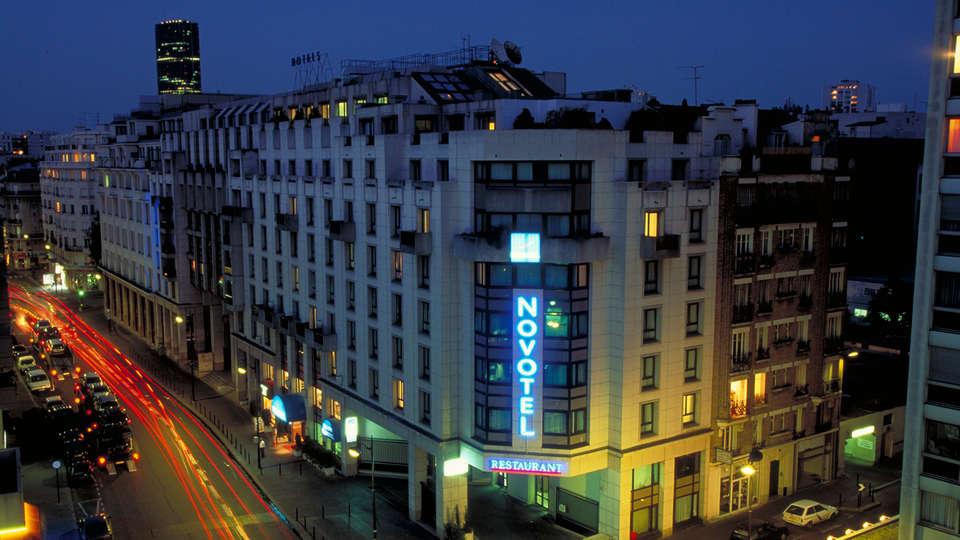 Novotel Paris Vaugirard Montparnasse - EDIT_Facade_nuit.jpg