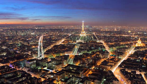 Romantico weekend di relax con champagne in camera nel cuore di Parigi
