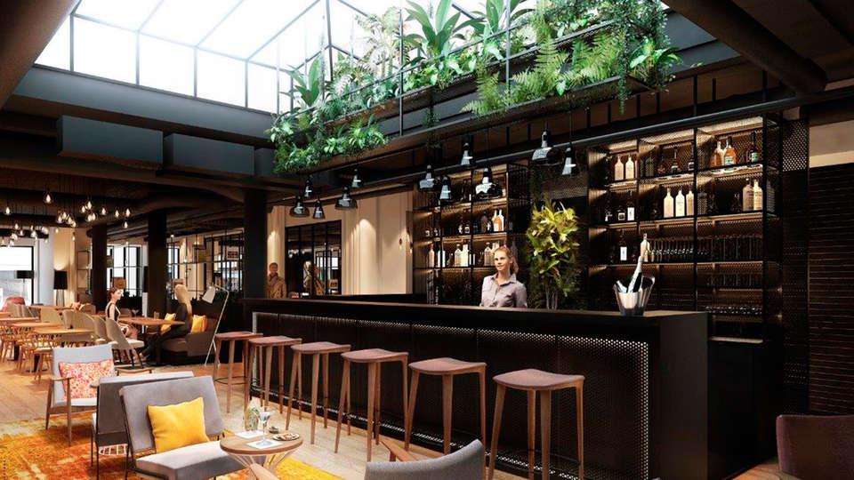 LAZ Hôtel Spa Paris - EDIT_bar.jpg