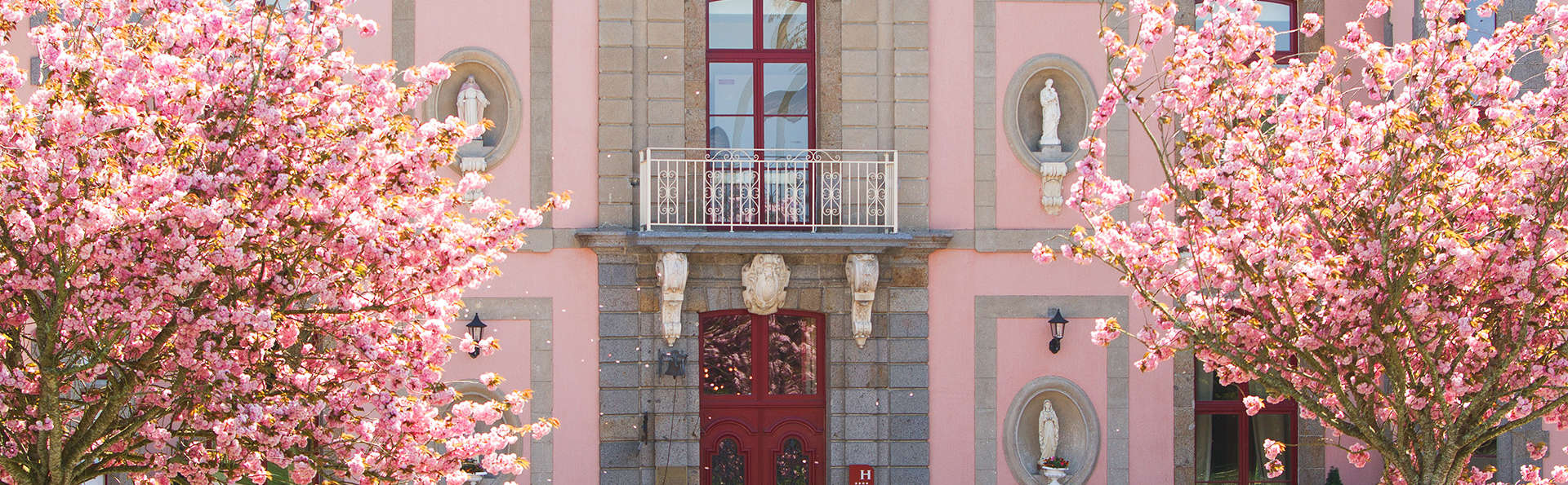Château Hôtel du Colombier - EDIT_Exterior3.jpg