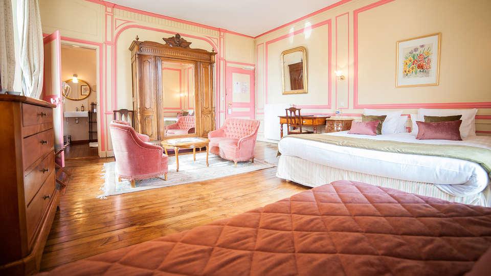 Château Hôtel du Colombier - EDIT_Room3.jpg