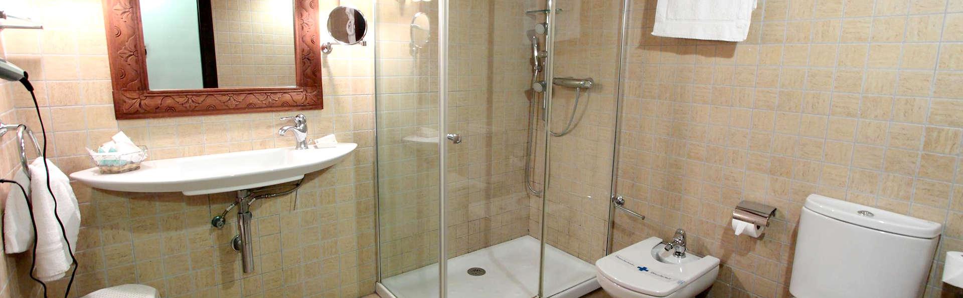 Hotel Tossal d'Altea - Edit_Bathroom2.jpg