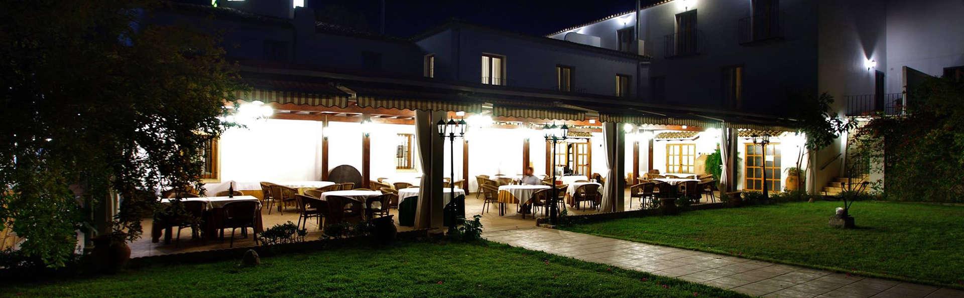 Hotel Tossal d'Altea - Edit_Terrace.jpg
