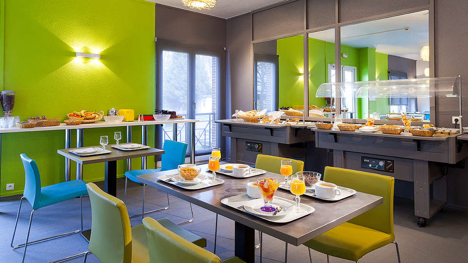 Comfort Hotel Lille Europe - EDIT_Restaurant.jpg