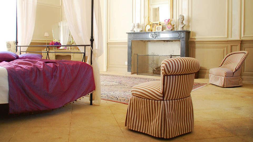 Domaine des Escaunes - EDIT_Room6.jpg