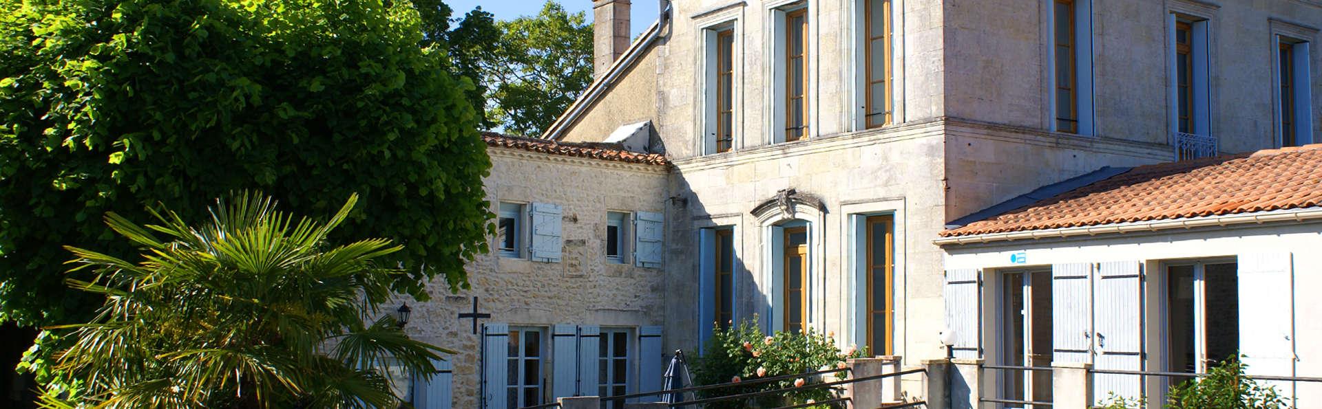 Domaine La Fontaine - EDIT_Exterior1.jpg