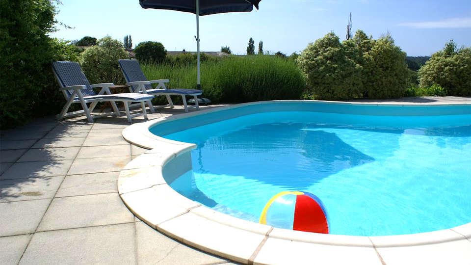 Domaine La Fontaine - EDIT_Pool2.jpg