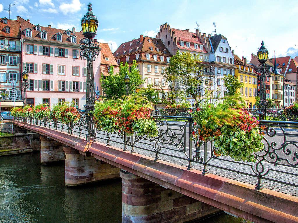 Séjour Alsace - Offre Spéciale : Week-end découverte à Strasbourg et surclassement offert  - 3*